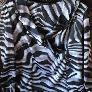Blouse black and white animal print